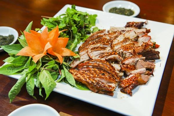 nhà hàng Vân Hồ