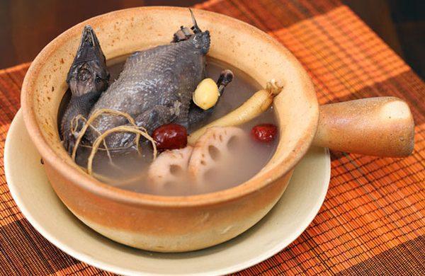 4 món ăn ngon từ gà ác không thể bỏ qua khi mùa đông về