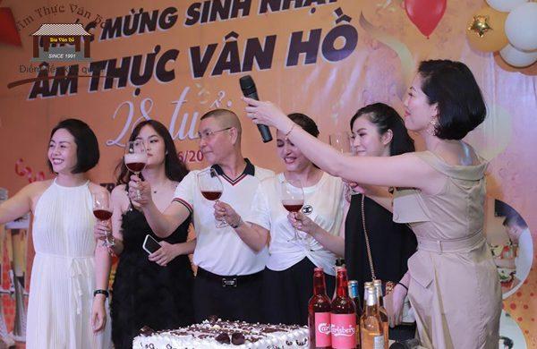 Kỉ niệm sinh nhật lần thứ 28 – Một đêm đáng nhớ tại Ẩm thực Vân Hồ