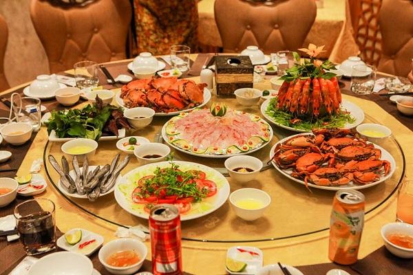 nhà hàng tổ chức tiệc tại hà Nội