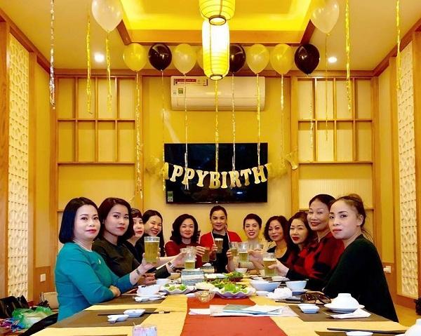 tiệc sinh nhật tại nhà hàng