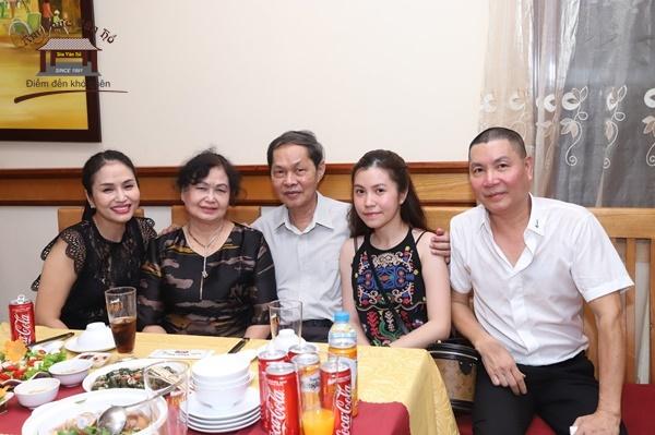 mung-8-3-danh-tang-nhung-nguoi-phu-nu-yeu-thuong-bang-mon-qua-dac-biet
