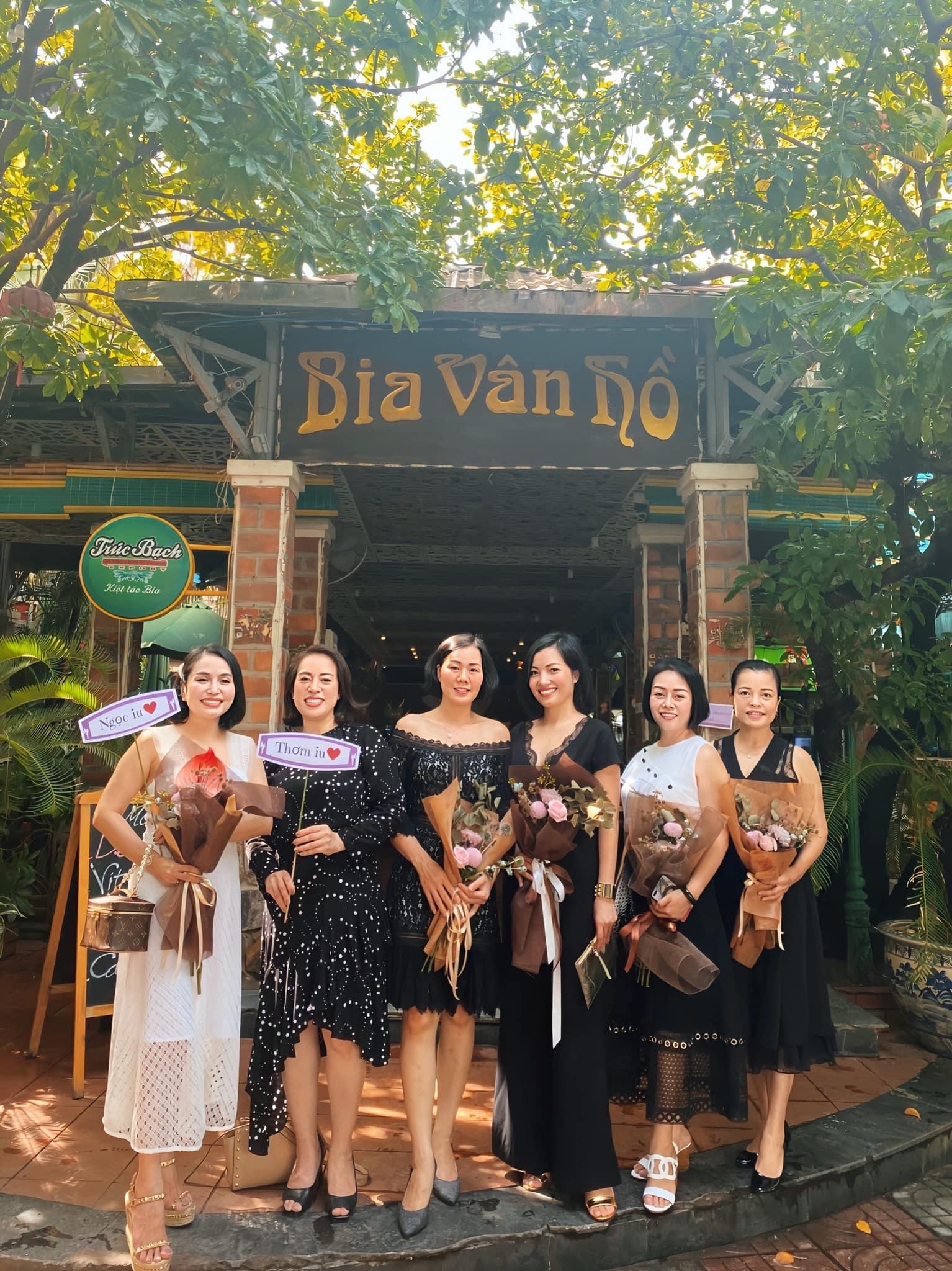 Địa chỉ tổ chức tiệc liên hoan cuối năm cho công ty - Nhà hàng Vân Hồ