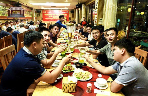 Gợi ý nhà hàng ngon bổ rẻ cho anh em văn phòng Hà Nội khai xuân