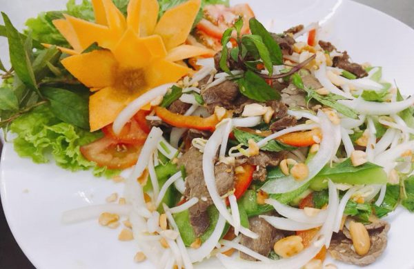 """Salad – món ăn """"vàng"""" cho sức khỏe"""