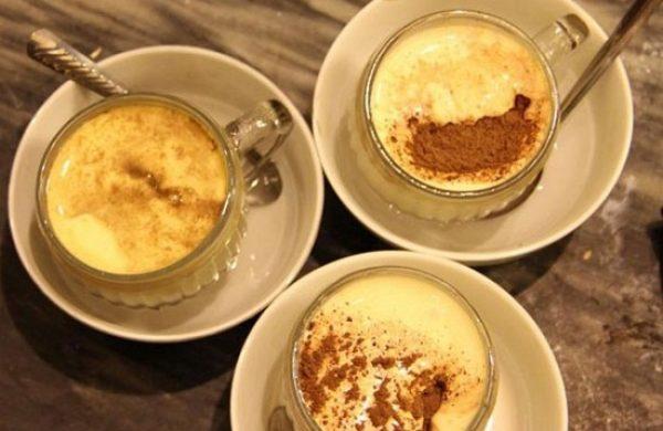 Tự làm món cà phê trứng ấm áp cho ngày gió lạnh
