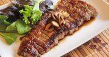 Đầu bếp tiết lộ bí quyết ướp thịt bò mềm ngon bằng trái cây