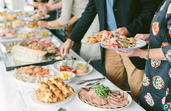 """Các quy tắc """"vàng"""" trên bàn ăn để trở thành người thanh lịch"""