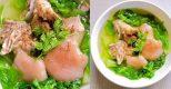 Canh cải nhúng nấu chân giò thơm ngon, vét sạch nồi cơm trong chớp mắt