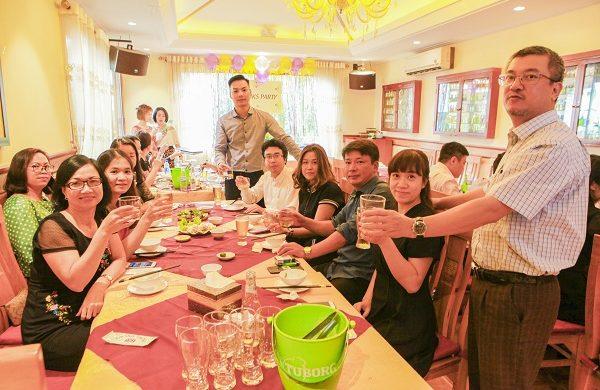 Địa chỉ tổ chức tiệc liên hoan cuối năm cho công ty – Nhà hàng Vân Hồ
