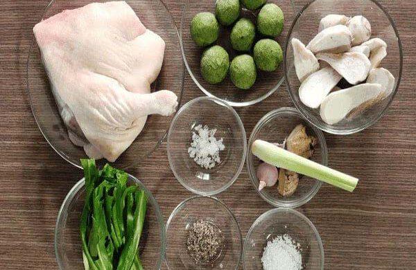 Hướng dẫn nấu món vịt om sấu thơm ngon, mát bổ cho mùa hè