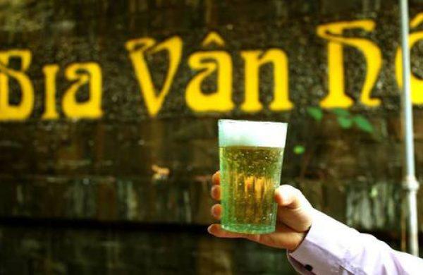 Thú thưởng bia của người Hà thành xưa và nay