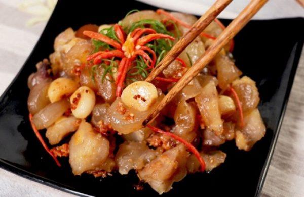 Món gân bò cháy tỏi – Cách làm siêu dễ, cả nhà đều mê