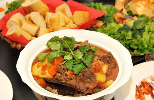 Cách làm món bò sốt vang đưa cơm cho gia đình bạn