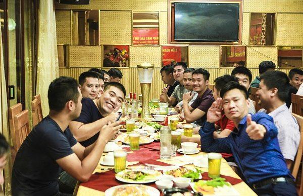 Nhà hàng tổ chức tiệc liên hoan tổng kết cuối năm cho công ty tại Hà Nội