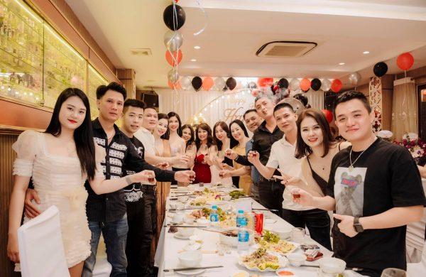 Nhà hàng tổ chức tiệc hội nhóm – Ẩm thực Vân Hồ