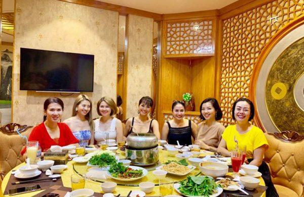 Nhà hàng tổ chức tiệc công ty cho những dịp cuối năm