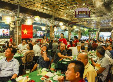 Quán bia xem bóng đá ở Hà Nội – Bật mí địa chỉ xem bóng bao phê