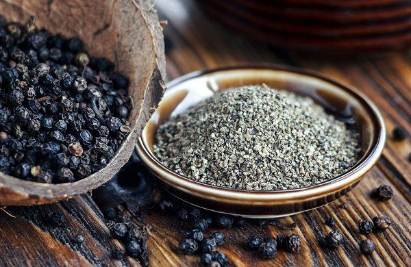 Điều gì sẽ xảy ra nếu sử dụng hạt tiêu đen sai cách khi giữ ấm cho cơ thể vào mùa đông?