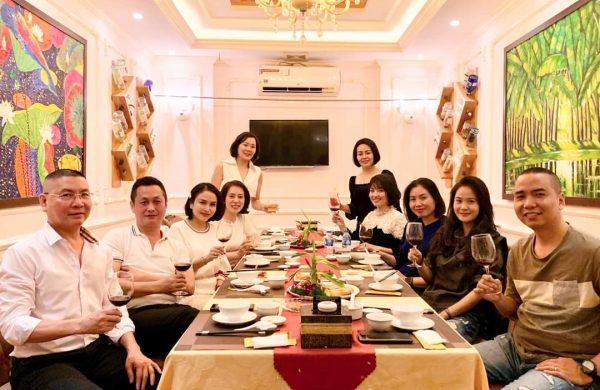 Tổ chức tiệc liên hoan cho công ty tại Hà Nội – Lựa chọn tuyệt vời cho bạn